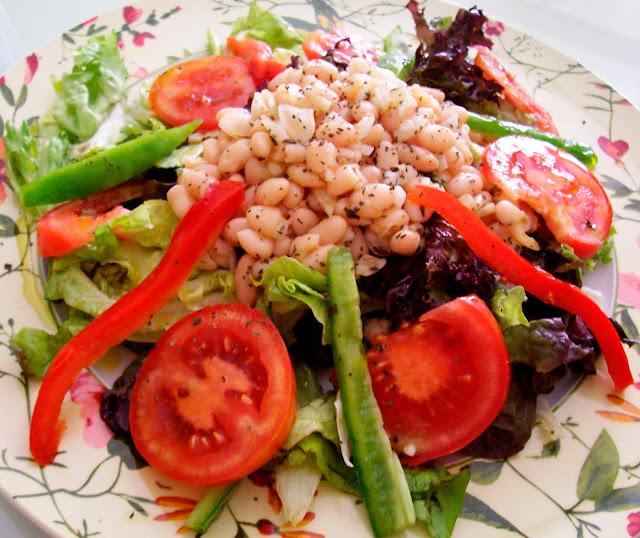 Ensalada de Alubias Blancas  (White Bean Salad). Receta