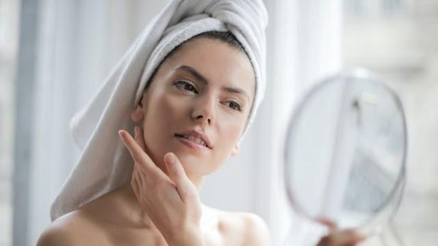 Hindari Produk Abal-Abal, Ini 7 Tips dari Dokter Saat Beli Skincare