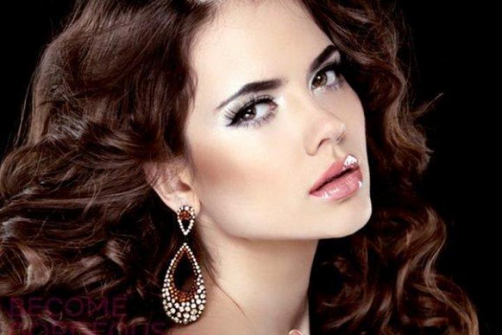 Cách chọn khuyên tai, dây buộc tóc phù hợp với khuôn mặt và kiểu tóc