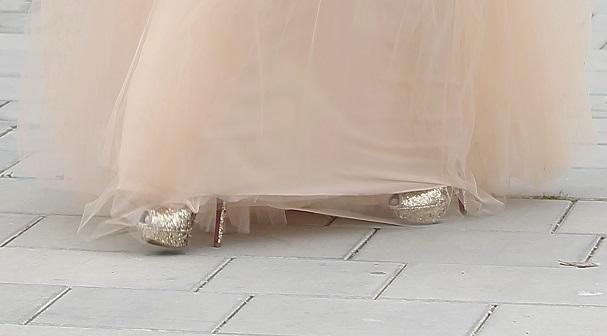 zapatos dorados boda adriana abenia