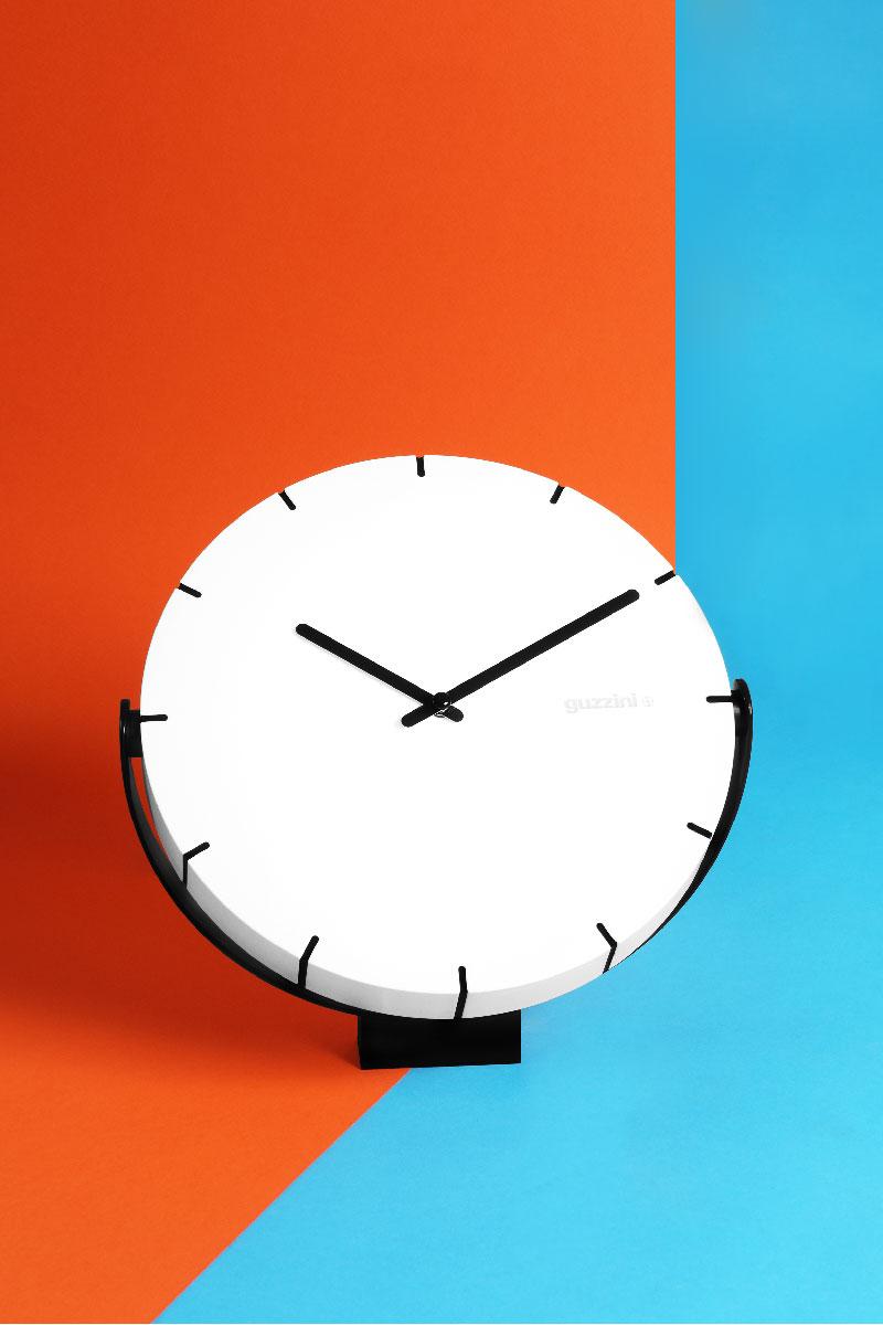 Move Your Time, l\'orologio orientabile di Guzzini   Dettagli Home Decor