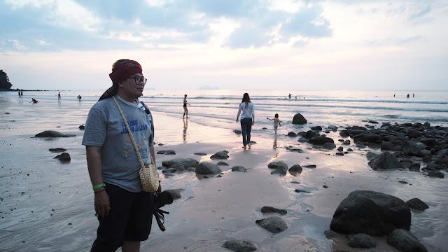Tukang Jalan Jajan di Damai Beach demi RWMF 2018
