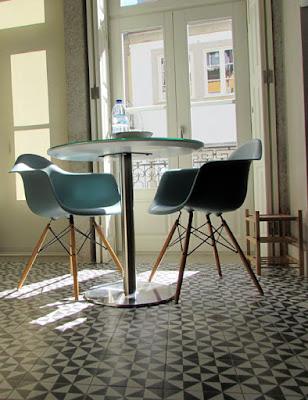 cozinha de um apartamento turístico no Porto