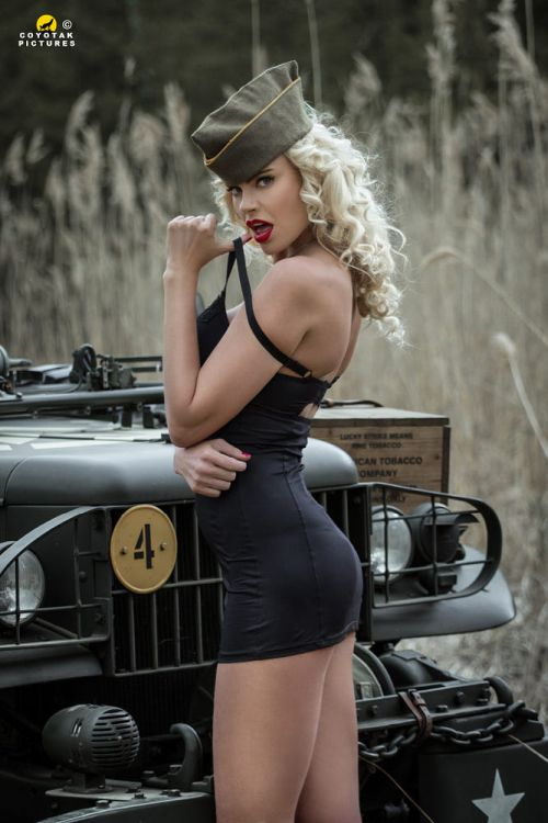 Coyot Coyotak Pictures 500px arte fotografia mulheres modelos sensuais beleza fashion pin-ups vintage guerra