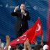 Τουρκία: Επιτέθηκαν σε γνωστό δημοσιογράφο που ψήφισε «Όχι» (video)