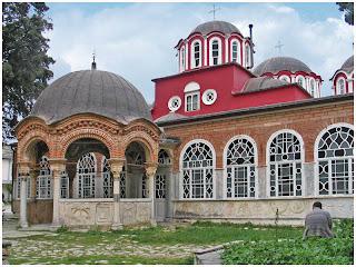 Sveta Gora. Najveci manastir na Atosu.