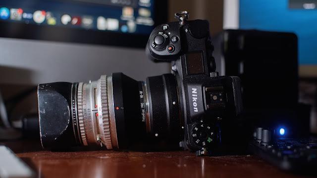 Lensa Hasselblad Dipasang ke Nikon Z 7 menggunakan Adaptor Nikon FTZ dan Fotodiox