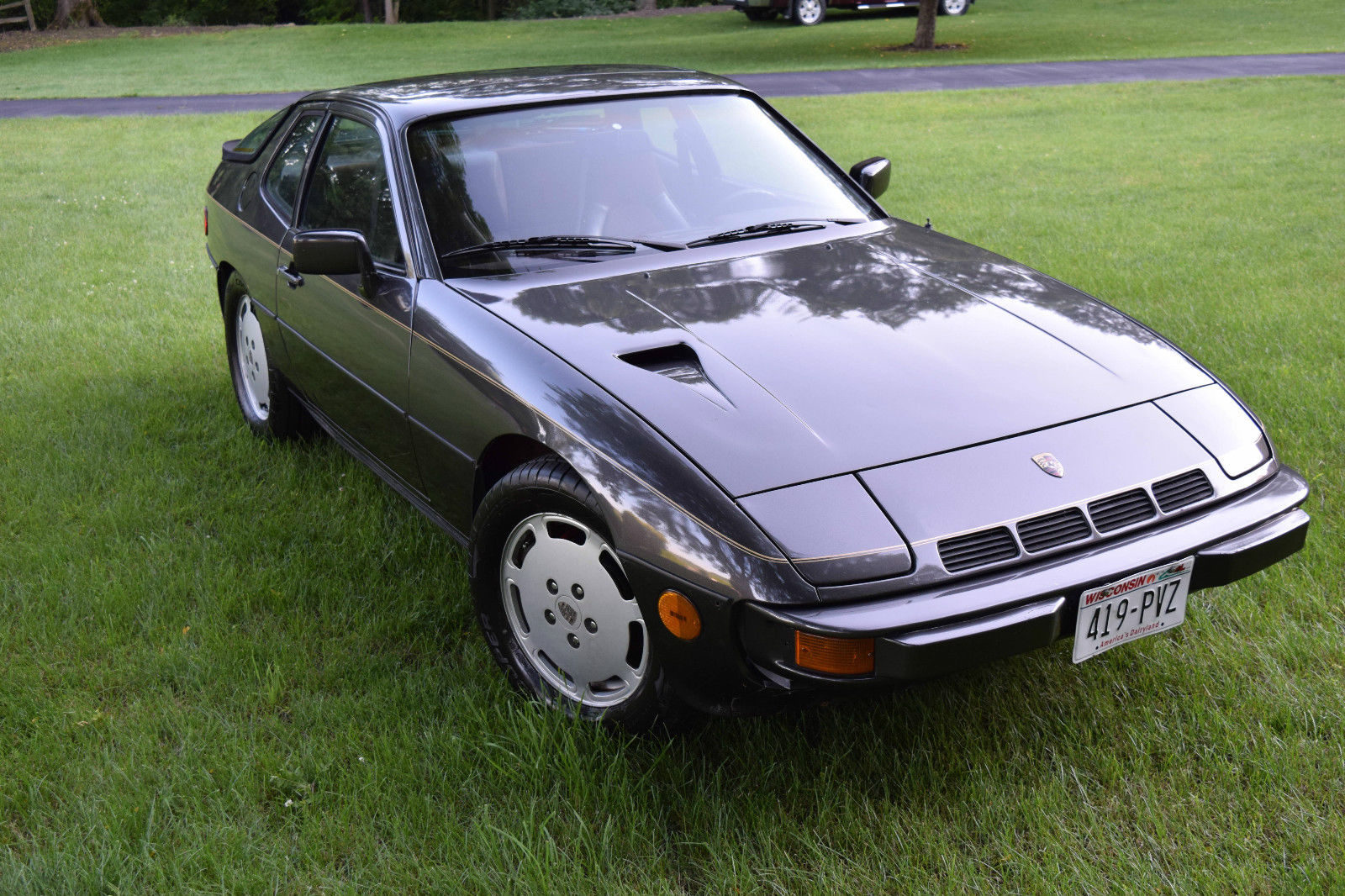 daily turismo collector status 1980 porsche 924 turbo. Black Bedroom Furniture Sets. Home Design Ideas