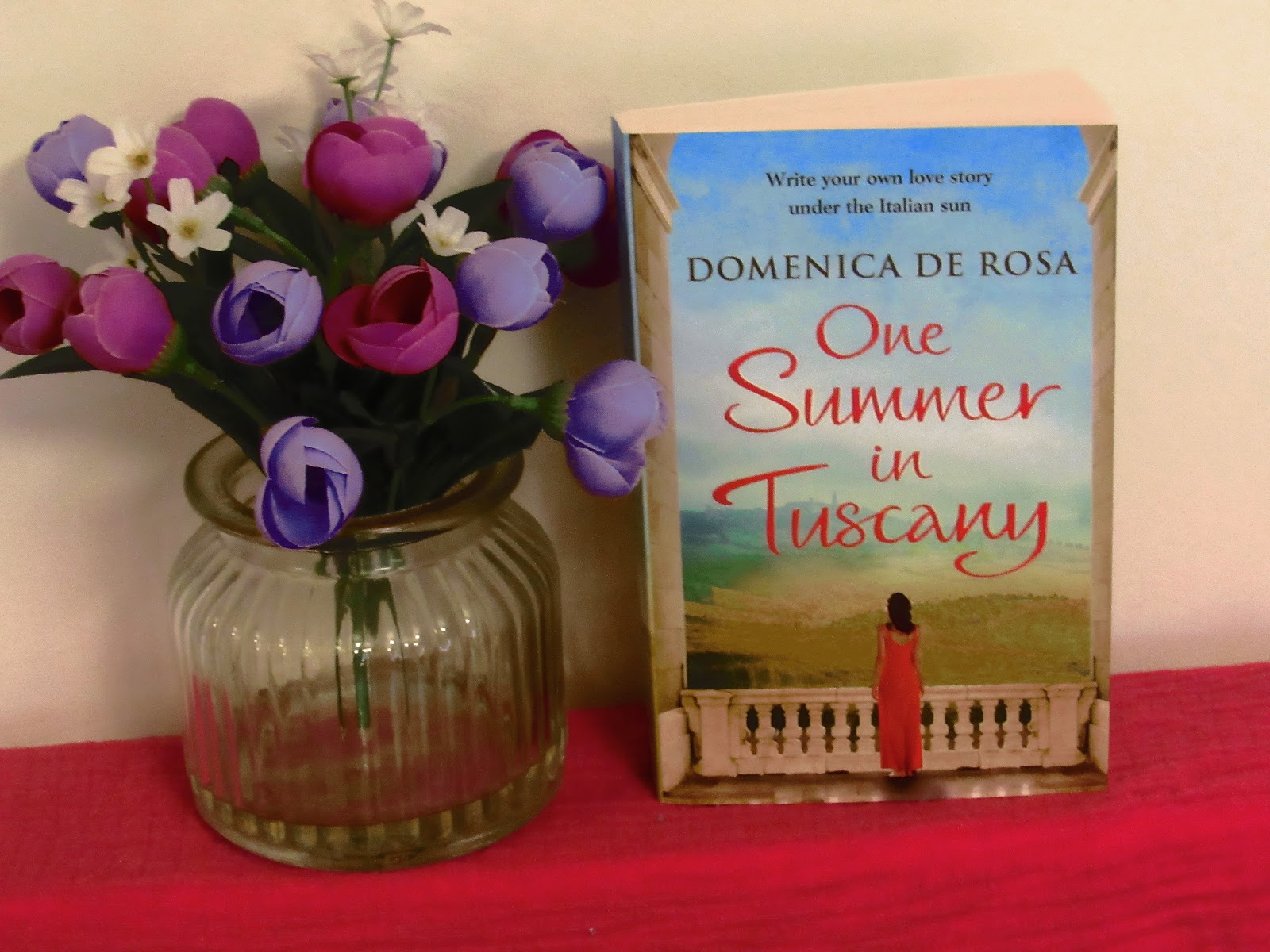 Blooming Fiction book blog, Book Review | One Summer In Tuscany