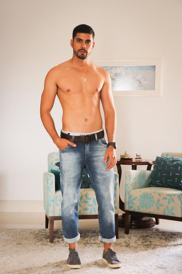 Miguel Leles, Mister Mato Grosso 2017, posa sem camisa para ensaio. Foto: Katiane Padilha