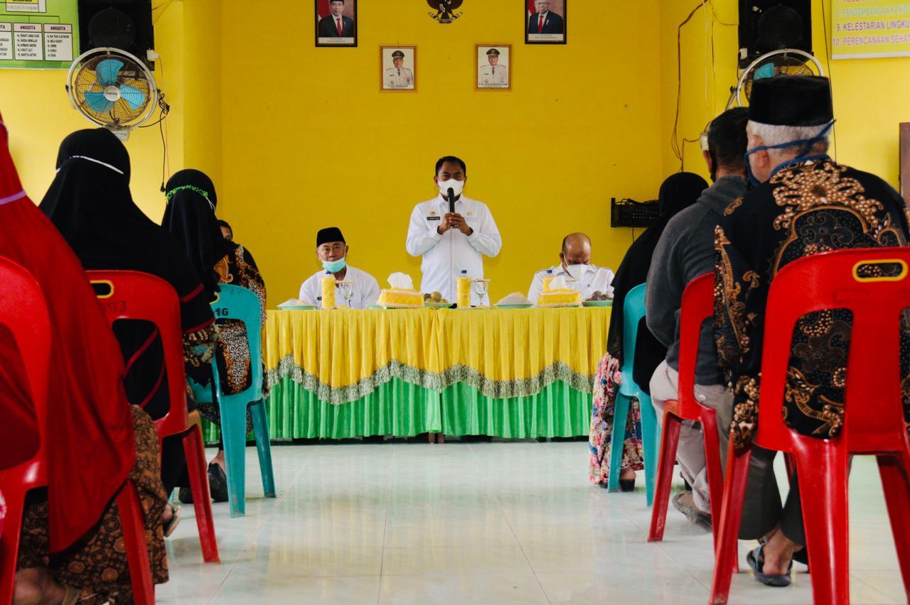 Bupati Sergai Serahkan Bantuan Stimulus Kepada 114 Pelaku UMKM