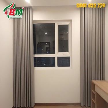 màn vải trơn màu xám nhẹ sang chảnh cho cửa sổ đẹp giá rẻ,công trình trung cư quận 7 .tp hcm...thiết kế bởi bình minh đồng xoài,0981.622.779