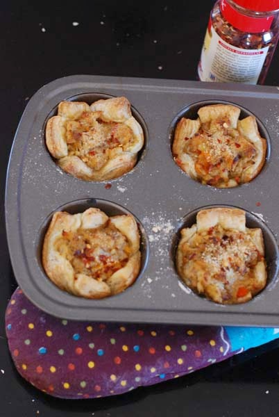 http://www.bongcookbook.com/2015/04/savory-puff-tartlets-for-snack-on.html