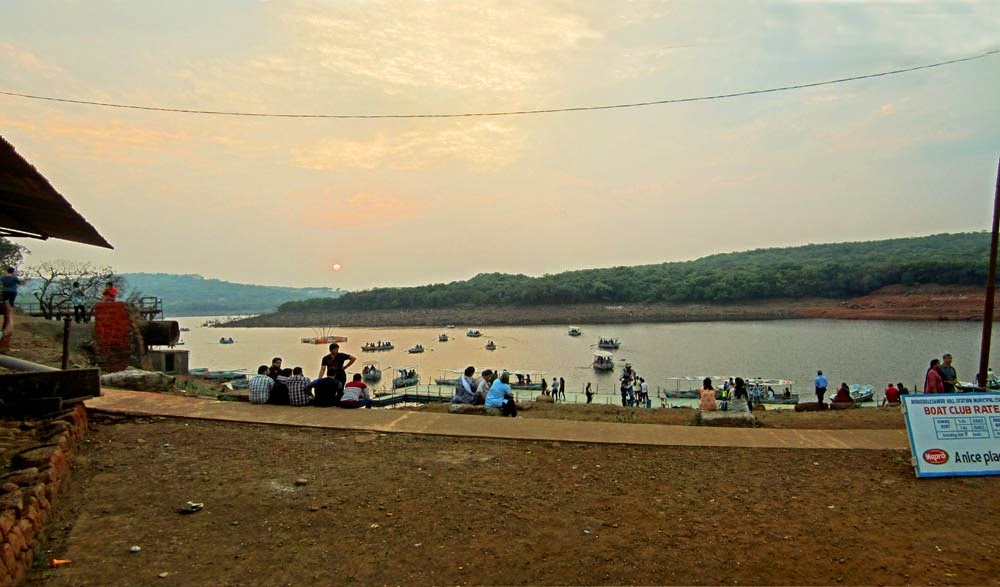Tourists at Venna Lake Mahabaleshwar