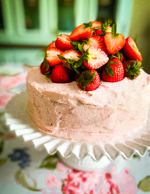 Fresh Strawberry Cake with Strawberry Buttercream Frosting