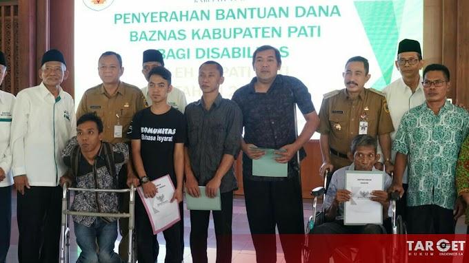 Bupati Haryanto Serahkan Bantuan Untuk Penyandang Disabilitas