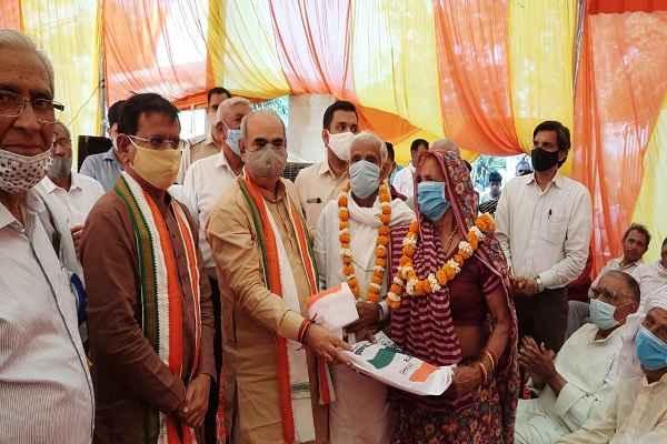 minister-moolchand-sharma-mla-rajesh-nagar-sadpura-village