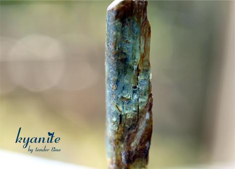 カイヤナイト 藍晶石 Kyanite