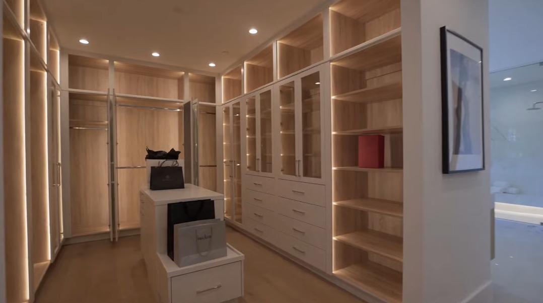 30 Interior Design Photos vs. 5041 Noeline Ave, Encino, CA Luxury Home Tour