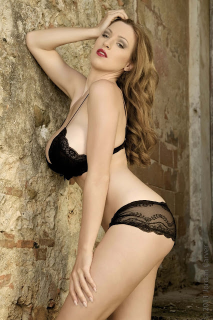 hot-Jordan-Carver-Last-Night-sexy-photoshoot-HD-Image-18