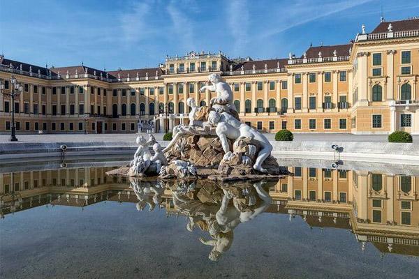 قصر الشونبرون فى النمسا