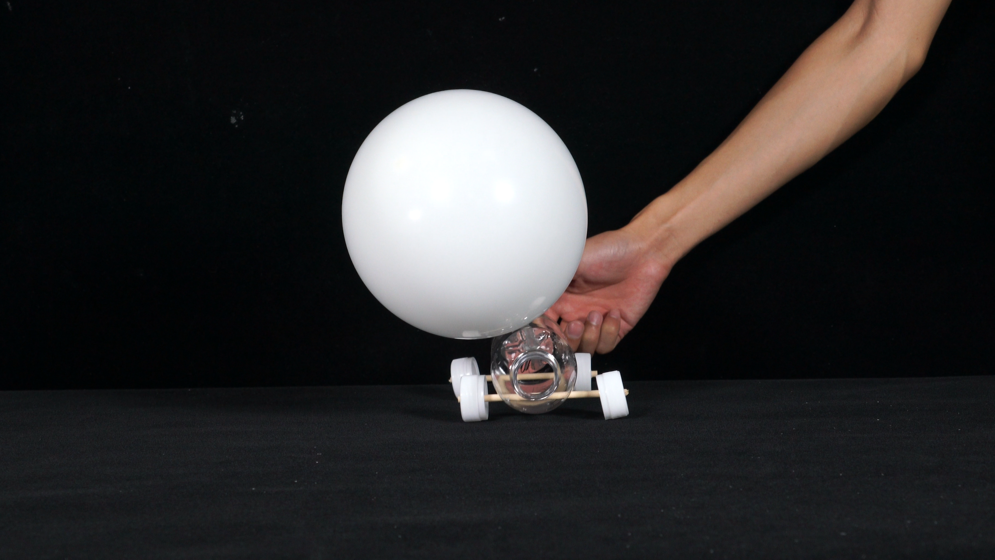 How to Make an Air-Oowered Balloon Car Science Experiment Step 1
