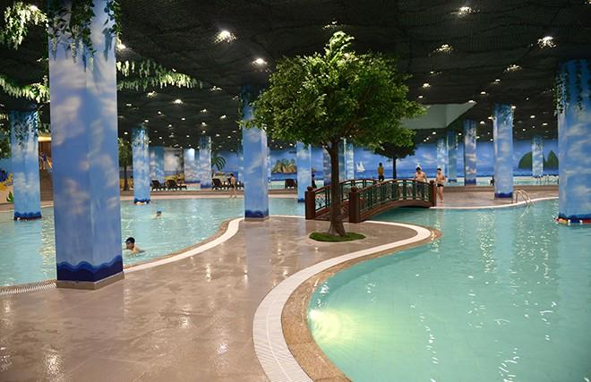 Bể bơi trong nhà chung cư the emerald mỹ đình