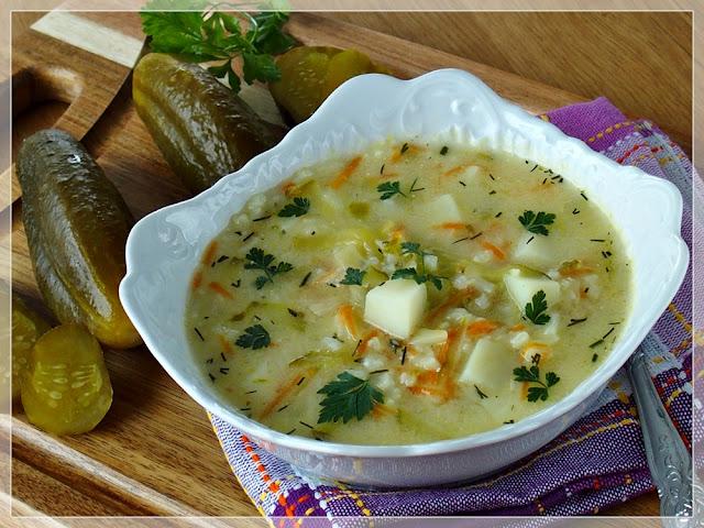 najlepsza zupa ogórkowa z kurczakiem, ryżem i ziemniakami