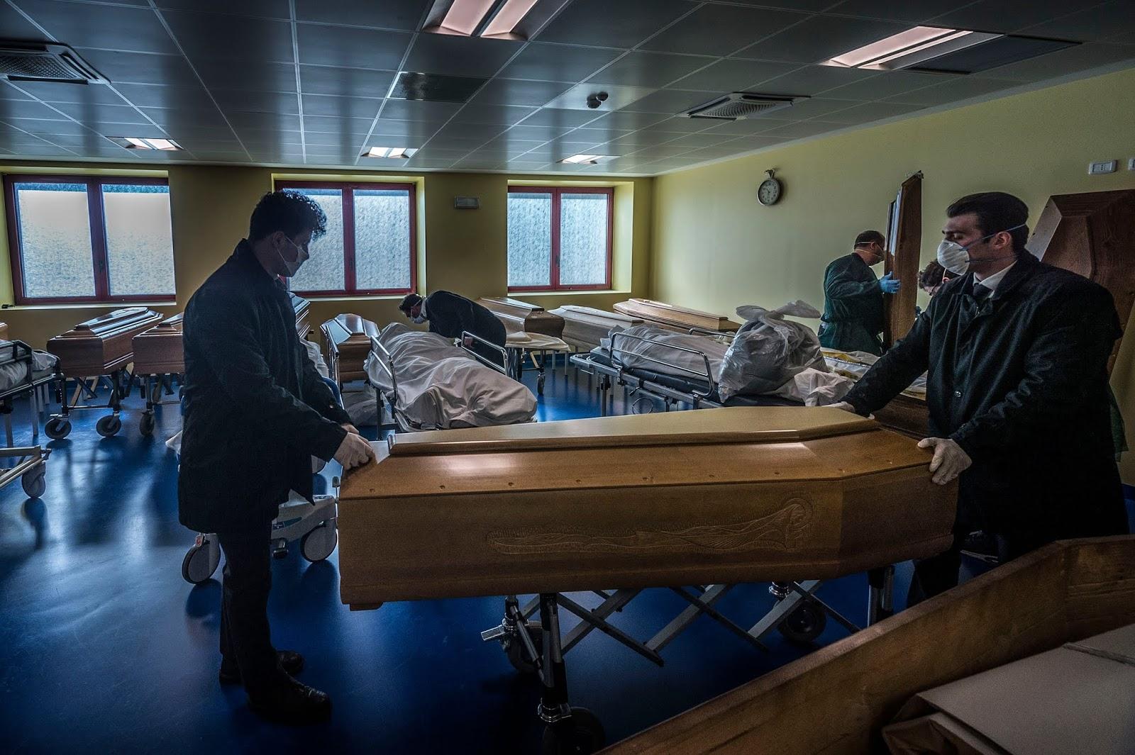 Coronavirus coffin, coronavirus death italy