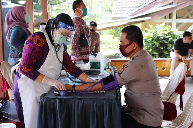 Hari Bhayangkara Ke-74, Polres Lampung Barat Gelar Bhakti Sosial Donor Darah