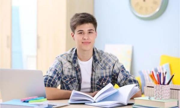 كيف أرغب ابني في الدراسة ؟