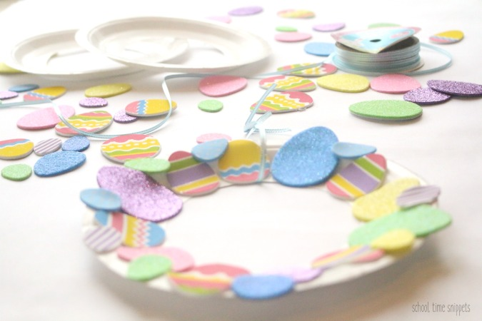 PAPER PLATE WREATH PRESCHOOLERS CAN MAKE FOR EASTER