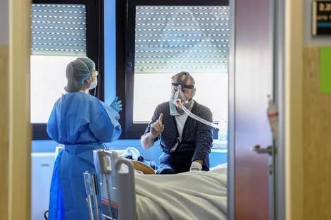 """طبيبة مغربية ترصد مخلفات فيروس """"كورونا"""" على جسم الإنسان"""