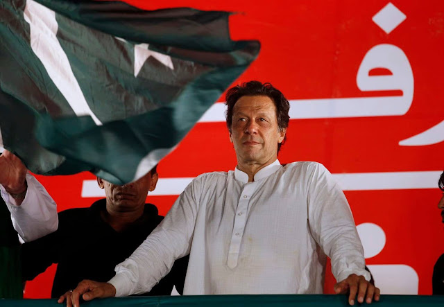 Imran kneeling in front of India's diplomacy said - will not use Atom bomb first