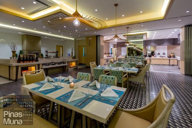 Taal Vista Hotel Cafe Veranda