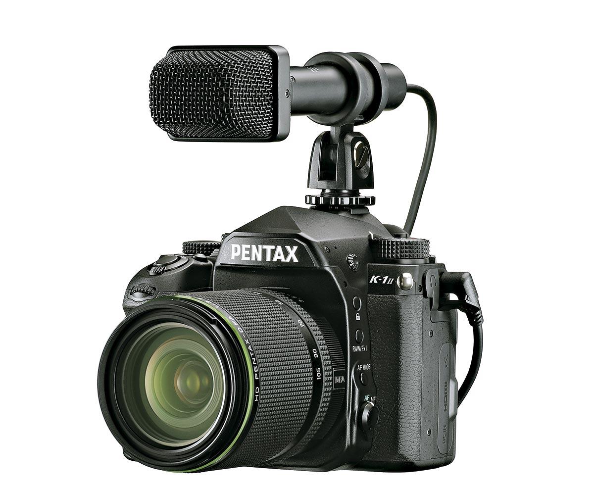 Pentax K-1 II с внешним микрофоном