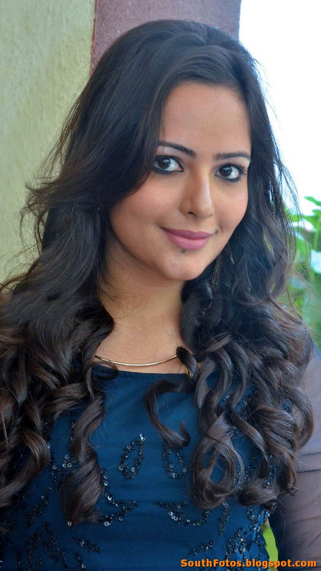 Aanchal Munjal Latest Hot Wallpaper