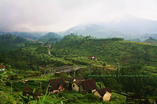 View salah satu lembah di Guci