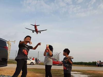 tempat tengok kapal terbang mendarat di KLIA