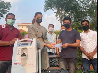 urvashi-rautela-donate-27-oxygen-contenor