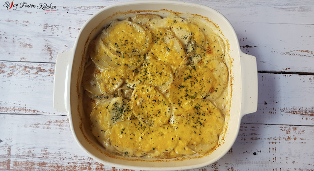 Creamy Potatoes Au Gratin Side Dish, potatoes au gratin, side dish, potato side dish, recipe, potato side dish recipe, creamy potato side dish, food pictures, food recipe, food photography, potatoes au gratin recipe, spicy fusion kitchen