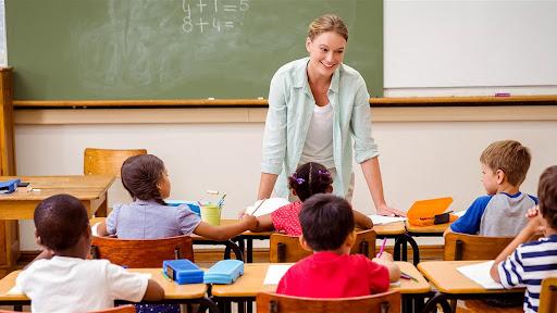 كيف يكون اللقاء الأول مع التلاميذ