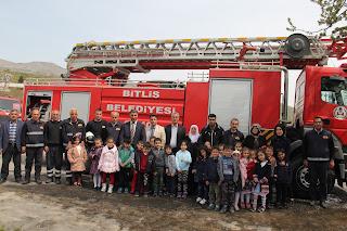 Minik Öğrenciler Bitlis İtfaiye Müdürlüğünü Ziyaret Ettiler
