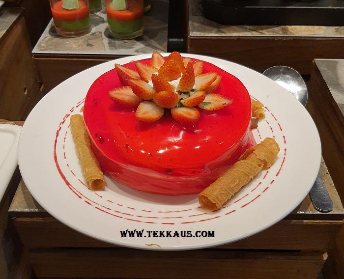 Cakes Desserts at Holiday Inn Melaka Hotel