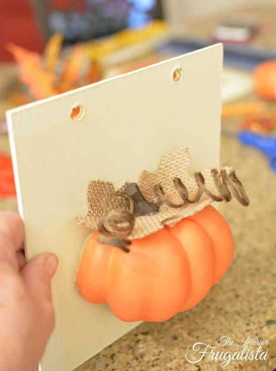 DIY Jumbo Scrabble Tile Fall Banner Pumpkin