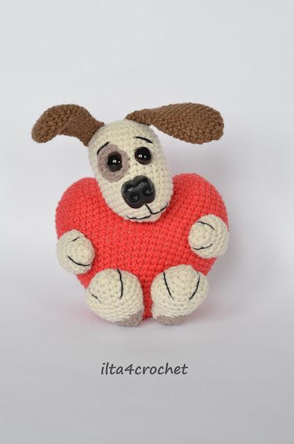Walentynkowa licytacja szydełkowego psiaka