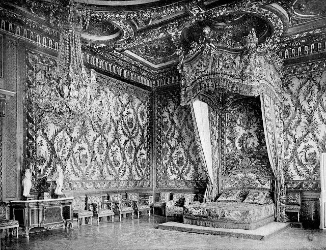 a 1700s royal bed from a 1903 book photograph, giant bed