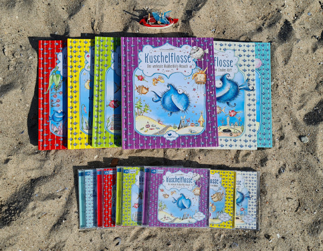 """Kuscheliger Fisch voraus! Die """"Kuschelflosse""""-Kinderbücher und -Hörbücher. Ich stelle Euch die Reihe von Büchern für Kinder rund um den kuscheligen Fisch auf Küstenkidsunterwegs vor!"""