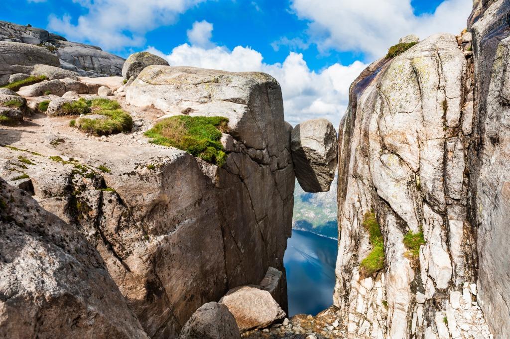 Кьерагболтен (горошина), на вершие горы Кьераг в Норвегии