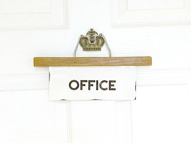 Easy Vintage Hanger Office Sign